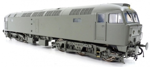 Heljan 4850 Class 47 BR Two Tone Green With Small Yellow Panels