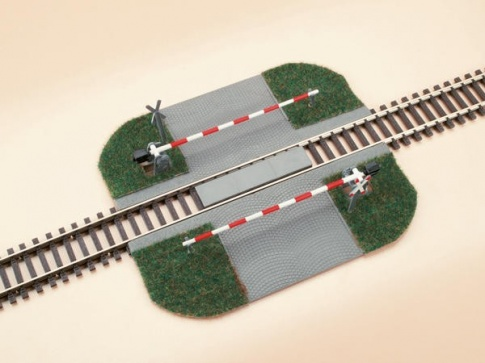 AUHAGEN 41582  HO Level crossing with barriers