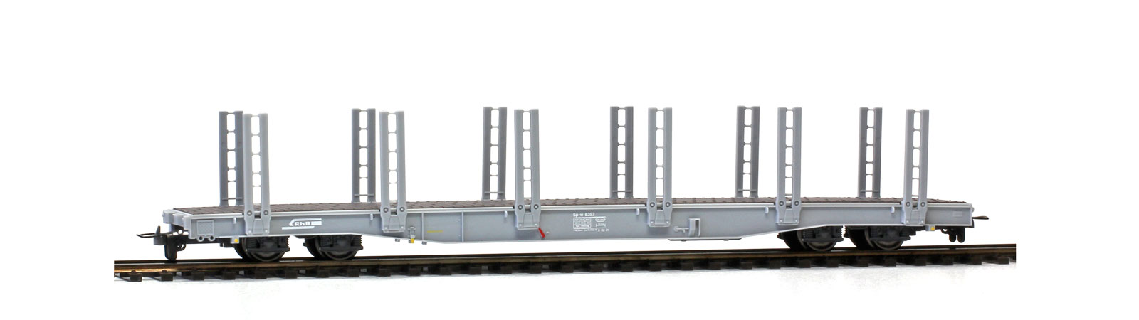 Bemo 2281 112 RhB Sp-w 8357 stake car with double stake unloaded