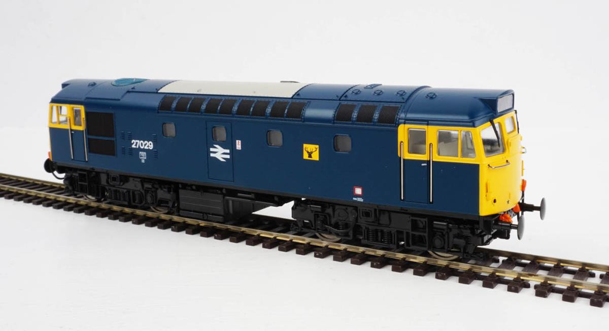Heljan 2717- Class 27 - 27033 BR Blue With Full Yellow Ends[1]