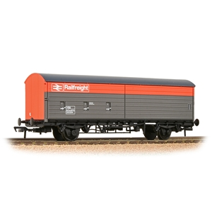 BACHMANN 38-128 - BR VBA Van BR Railfreight Red & Grey