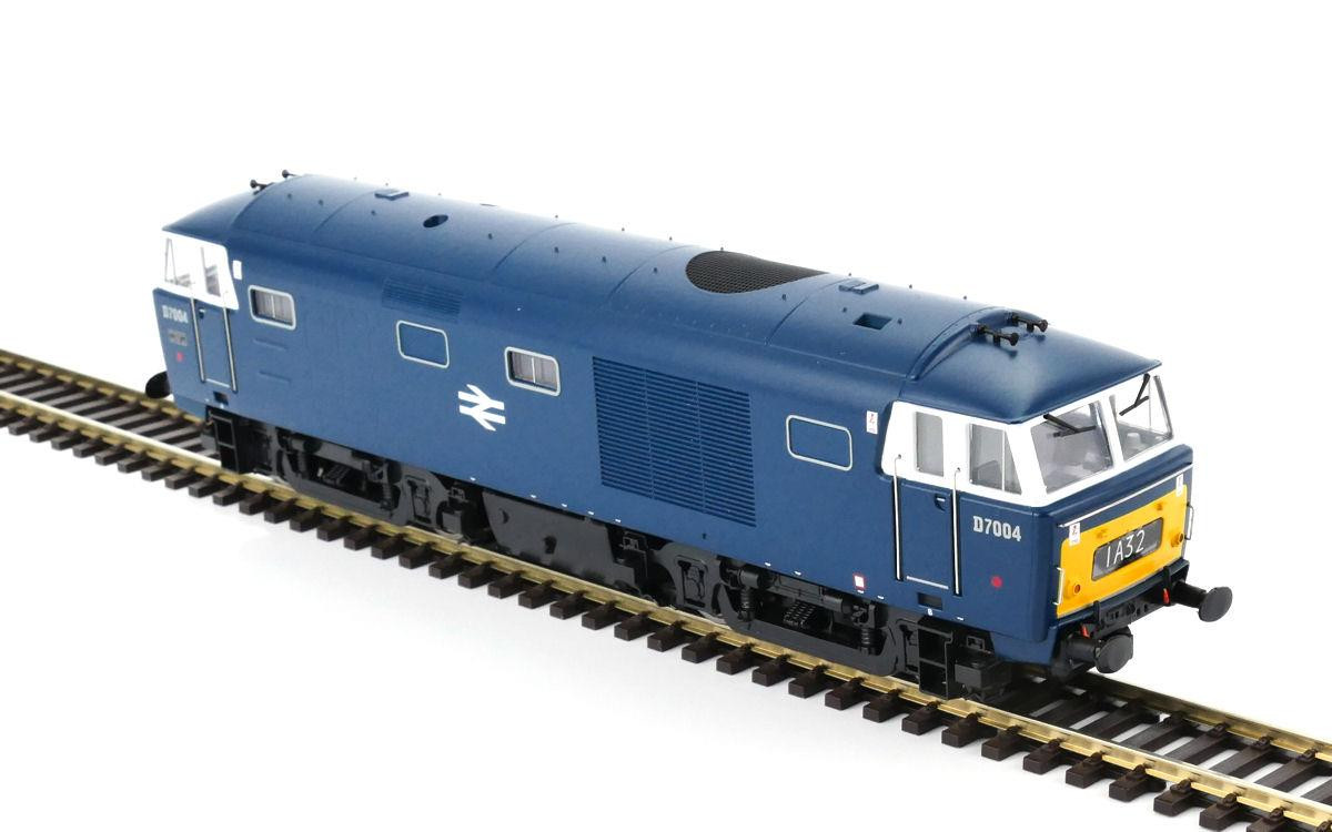 Heljan 3528 - Class 35 - D7004 BR Blue With Small Yellow Ends