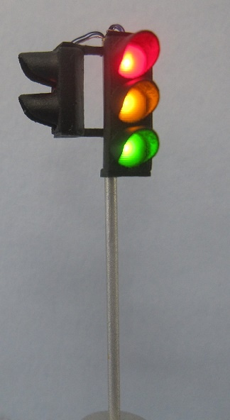 Krois-Modell 1003 traffic lights red / yellow / green, left with pedestrians,