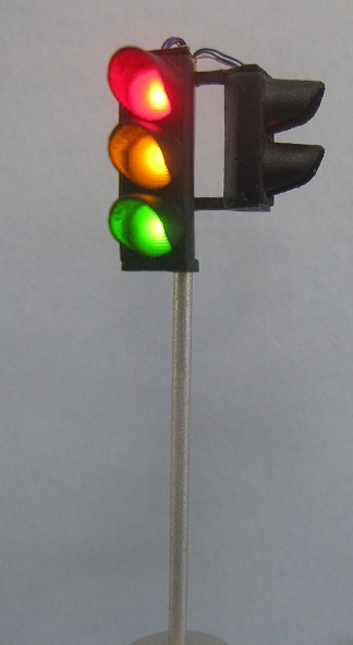 Krois-Modell 1003 traffic lights red / yellow / green, right with pedestrians,