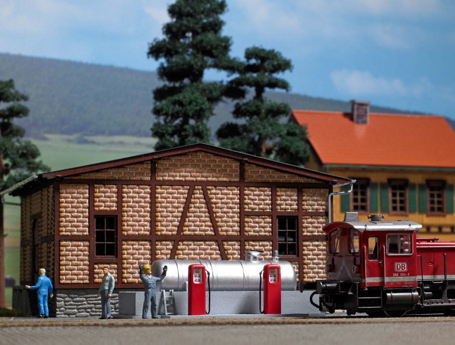 Rail side diesel refuelling depot