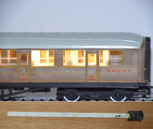 Train Tech CL100 Cool White Automatic Coach Lighting Multipack A