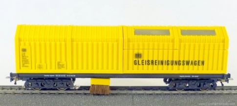 LUX-Modellbau 8831 Track Vacuum Cleaner Wagon